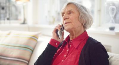 Bild på äldre kvinna